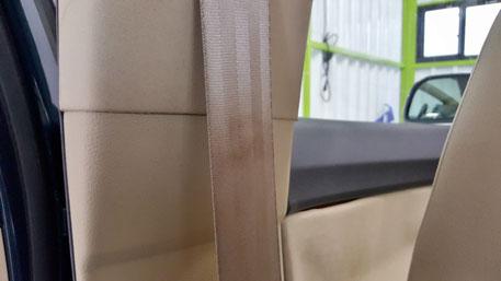シートベルトの汚れ 内装クリーニング 所沢 車内クリーニング 三芳 朝霞 行田