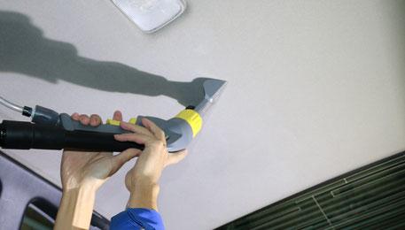 BNR34の車内天井のクリーニング