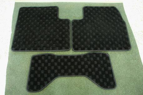 スカイラインGT‐Rのフロアマットの洗浄後 後部座席