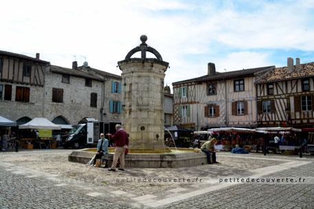 Bastide d'Eymet Jour de marché Dordogne