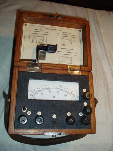 Metrawatt Isolationsmessgerät mit Induktor und Spannungsmessbereiche Wechselstrom