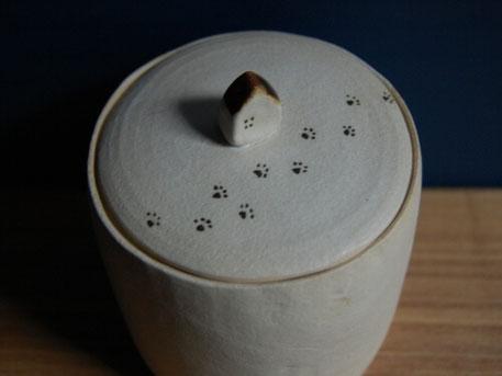 ペットの骨壷