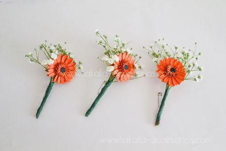bouttonieres, solaperos, ramitos, gerberas, flores de papel, flores artesanales, Villa Urquiza.