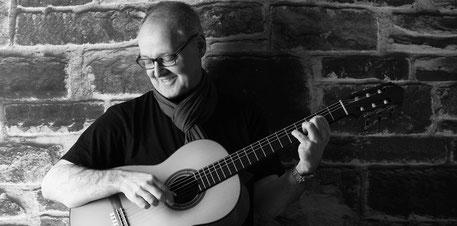 Tilmann Höhn (Gitarre)