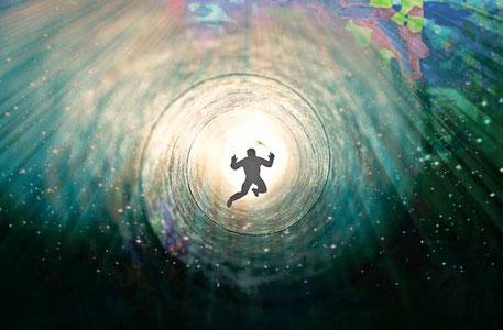 Loreley Nixe Meerjungfrauen Rheinromantik Rheinwein Rüdesheim Drosselgasse Märchenfigur Sage Wassergeister Wassermann Totenreich Nahtod-Erfahrung Sphärenklänge Schaumgeborene Boticelli Mischwesen Bachelorette Mermaiding Monoflosse Heinrich Heine Fantasy