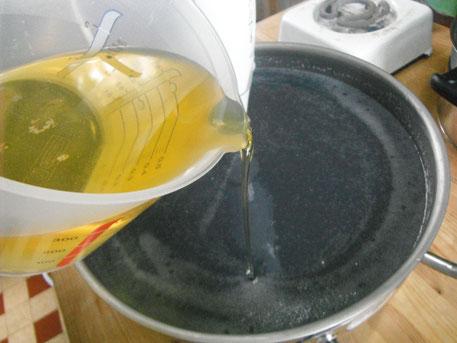Avec un artisan savonnier professionnel, apprenez à fabriquer vos propres savons naturels