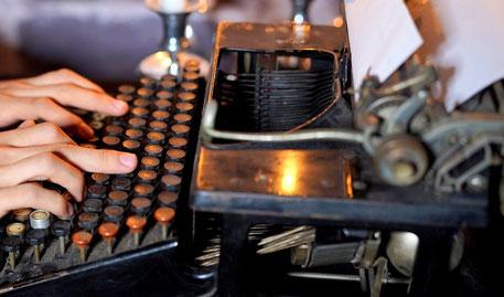 Eine alte Schreibmaschine ist ein feines Werkzeug für spirituelle Texte