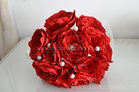 Ramo artesanal, flores de tela, ramo rojo, ramo tela, bouquet tela, flores artificiales.