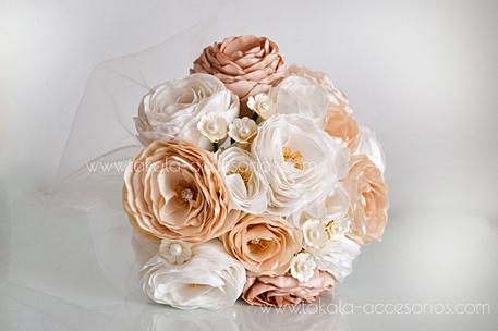 Ramo artesanal, flores de tela, ramo tela, ramo vintage, bouquet tela, flores artificiales.