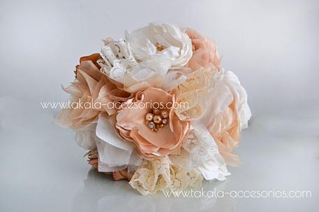 Ramo artesanal, flores de tela, ramo vintage, ramo tela, bouquet tela, flores artificiales.