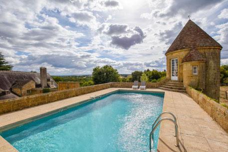 Te huur landhuis in Frankrijk voor 10 personen met zwembad en wifi, één hond toegestaan