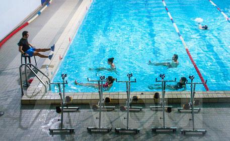 #AQUABIKE AQUAGYM AQUAPALMES Marseille Cardio Remise en forme Piscine réduction cellulite  renforcement musculaire drainage cardio-vasculaire maîtres-nageurs musique ludique et efficace , gainage
