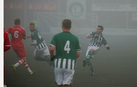 Nebel nicht nur im Stadion - Nebel auch über der VfL - Mannschaft