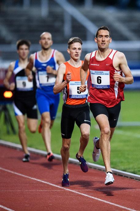 Andreas Vojta beim heutigen Sieg in Prag - rund 400m vor dem Ziel (Foto: Vlastimil Vacek via Olaf Brockmann)