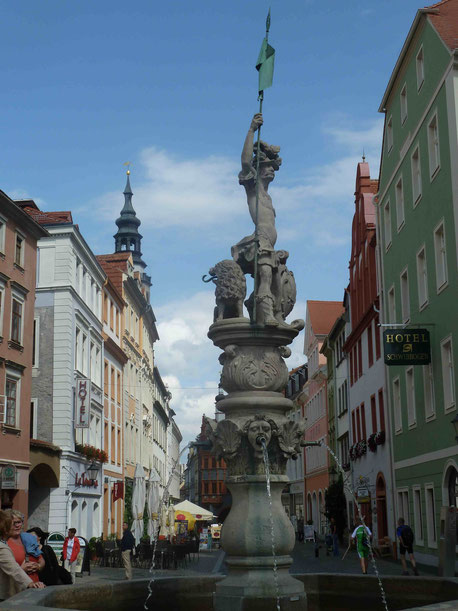 Der Heroldbrunnen am Obermarkt