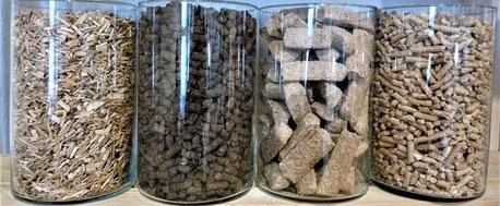 Glas 1 (Miscanthushäcksel)  Glas 2 (Divital Substrat)  Glas 3 (Miscanthus-Anzünder)  Glas 4 (Tiereinstreu)