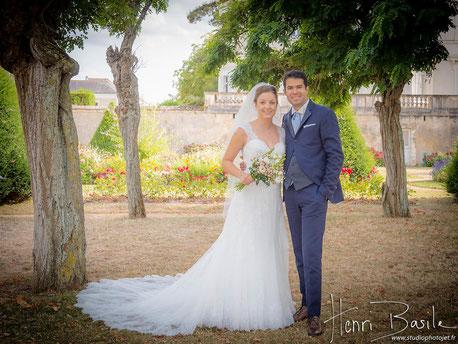Photo de couple des mariés, décoration d'un mariage à Nantes par Daydream Events, thème romantique, rose