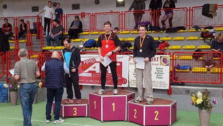 Stefan Münch (links auf dem Siegerpodest) erreichte Bronze.