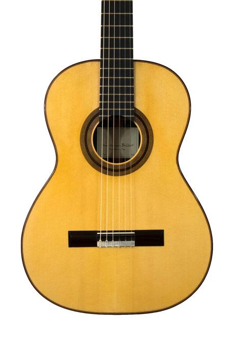 Guitare classique  PA Bellest