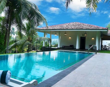 Pool Landscaping Design Ideas 1