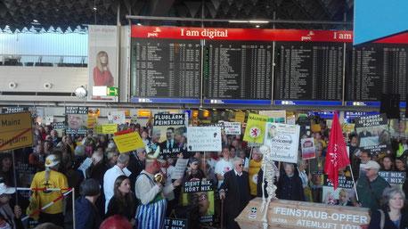 Darf gegen mehr Flugverkehr nur demonstrieren, werde noch nie geflogen ist?