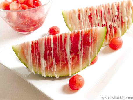 Wassermelone mit weißer Schokolade