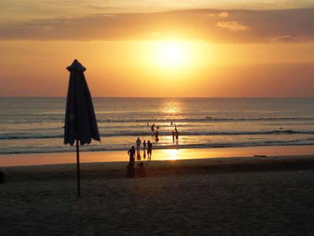 Zonsondergang strand van Seminyak