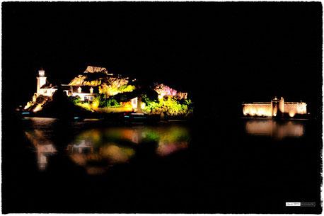 Ile louet et chateau du taureau by night