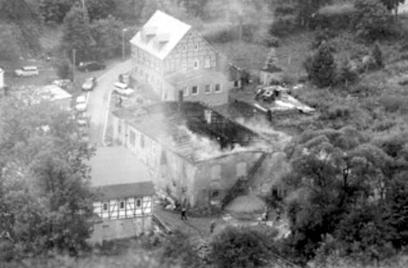 Brand des ehemaligen Kälberstalles 1998