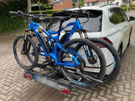 Fahrradanhänger fürs Auto ausgeliehen beim Harzer E-Bike Verleih