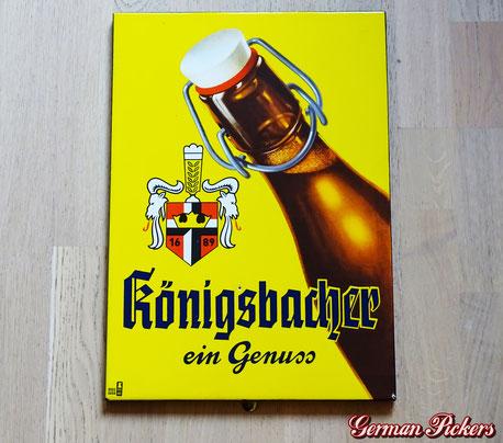 Königsbacher ein Genuss - Emailschild Deutschland um 1950 Boos & Hahn Ortenberg-Baden, 30 x 43 cm - Königsbacher Brewery - porcelain sign Germany 1950