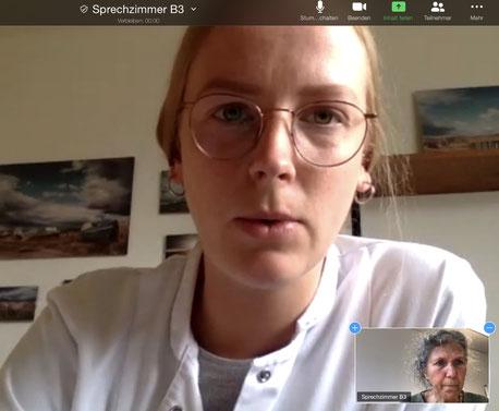Lea Jagels im Gespräch mit ihrer Patientin. Screenshot: UKE.