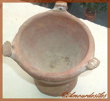 Même poterie que ci dessus mais en détails...