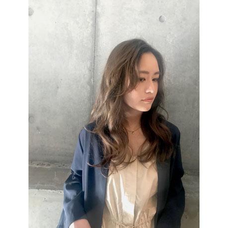 横浜 石川町 美容室 Grantus セミロング レイヤースタイル グレージュカラー