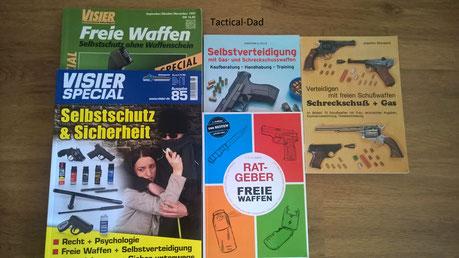 Eine Auswahl der knappen Literatur über Selbstverteidigung mit Schreckschusswaffen.