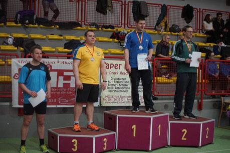 Hendrik Szabó ganz oben auf dem Treppchen. Maik Arends (rechts) belegte Rang 4.