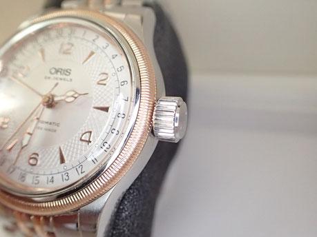大きなリューズが特徴のオリス。ブランド時計のオーバーホールお任せください。