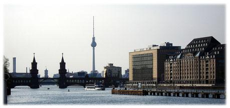 Rechtsanwalt Hollweck ist im Verbraucherschutz tätig. Die Kanzlei in Berlin hat den Schwerpunkt auf den Bereich Verbraucherrecht gelegt. Rechtsanwalt Berlin Thomas Hollweck.