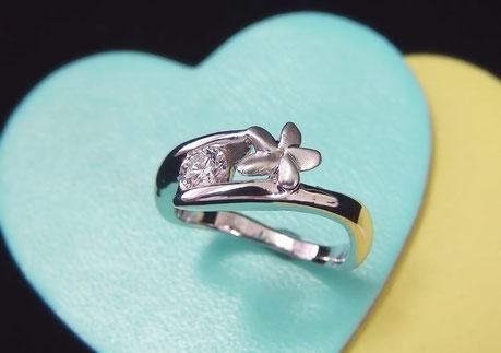 K18WGダイヤモンド手作り婚約指輪「花」