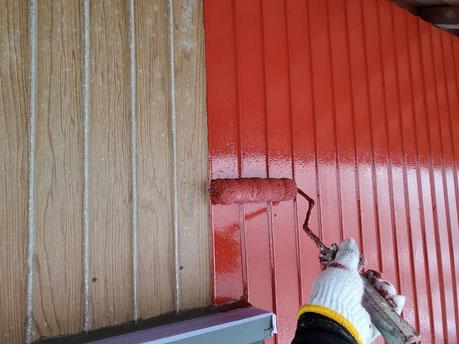 養老町、大垣市、平田町、南濃町、海津町、上石津町、輪之内町で外壁塗装工事中の外壁塗装工事専門店。養老町一色で外壁塗装工事/錆止め塗布作業中