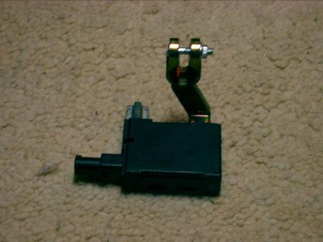 Batterie - Trennrelais gewinkelt bis 180 A