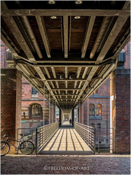 Kibbelstegbrücke zwischen den Speichern