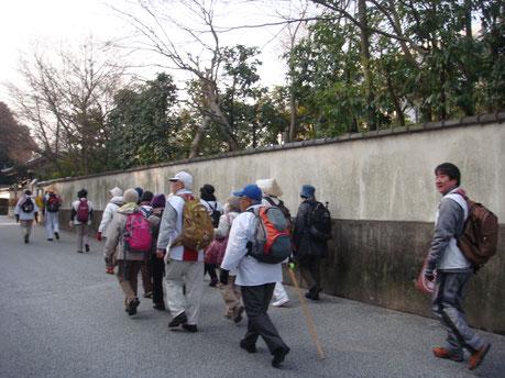 早朝の東福寺境内