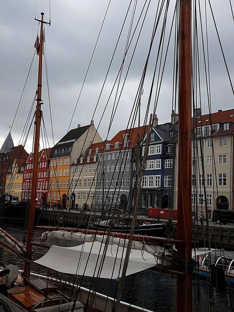 Schiffe am Nyhavn