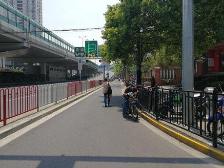 中国上海 華東師範大学へのアクセス方法 地下鉄「金沙江路駅」から徒歩