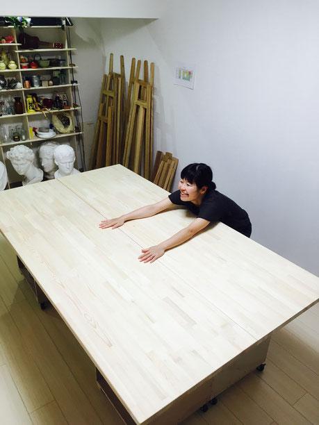アトリエ作業台と美恵先生