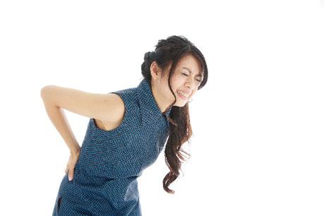 腰が曲がって腰痛がひどい奈良県香芝市の女性