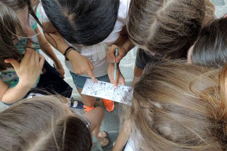 Kinder bei Rätselrallye und Schnitzeljagd Wien, Kindergeburtstag