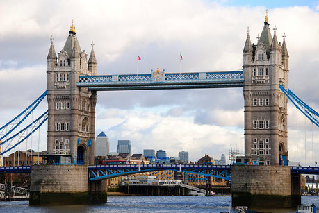 Tower Bridge London England Jewish tours