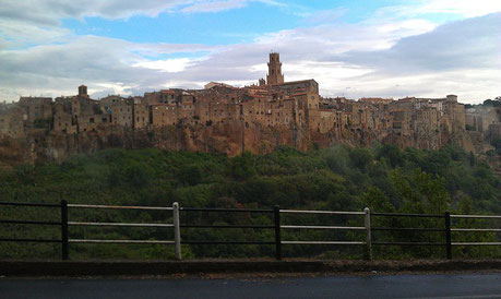 View of the City Pitigliano Italy private city tour